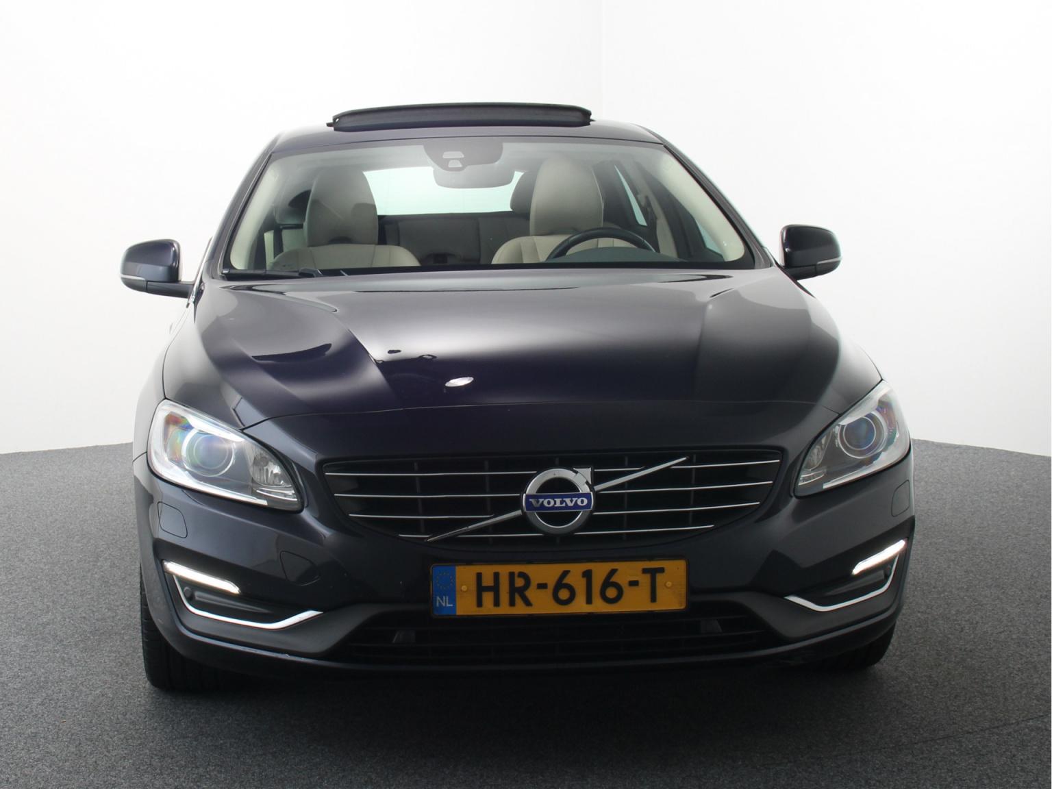 Volvo-V60-4