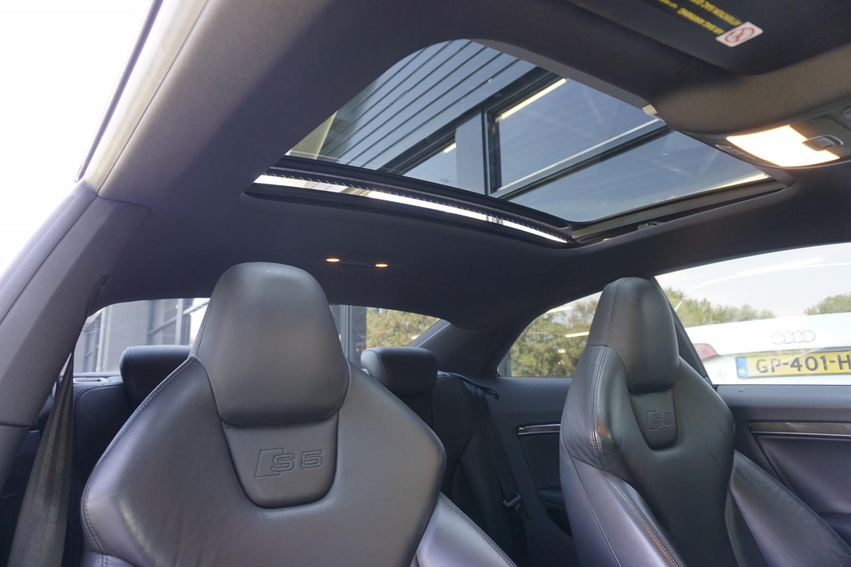 Audi-S5-12